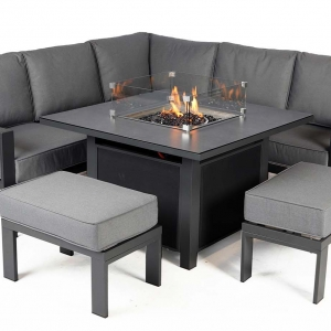 Melbury Corner set with fire-pit