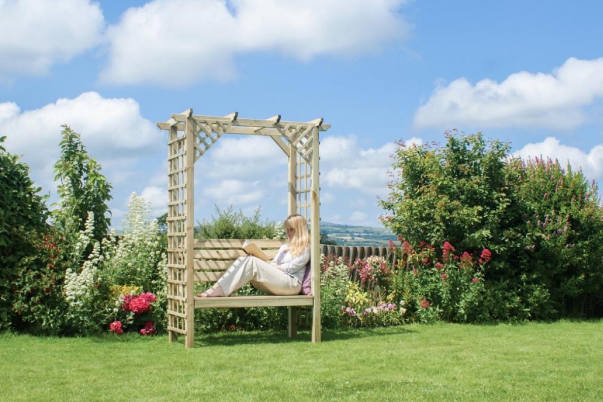 Summer Is Here! Get Advice From The Garden Furniture Specialists